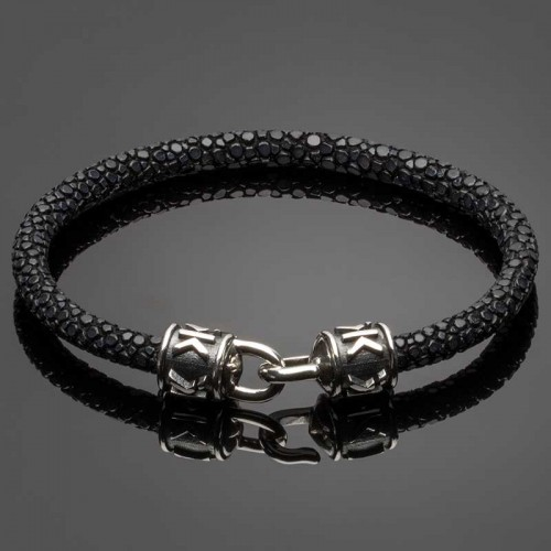 Black Stingray Leather Bracelet with Signature w. Silver Clasp DL3
